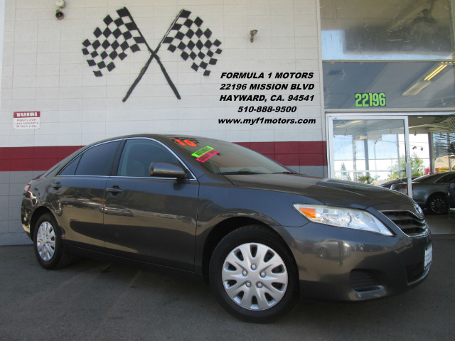 2010 TOYOTA CAMRY LE 4DR SEDAN 6A grey this is the perfect family vehicle  its super comfortable