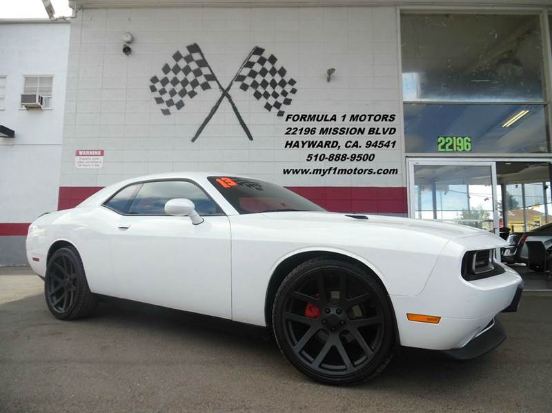 2013 DODGE CHALLENGER SXT 2DR COUPE white this dodge challenger is in great shape super clean rid