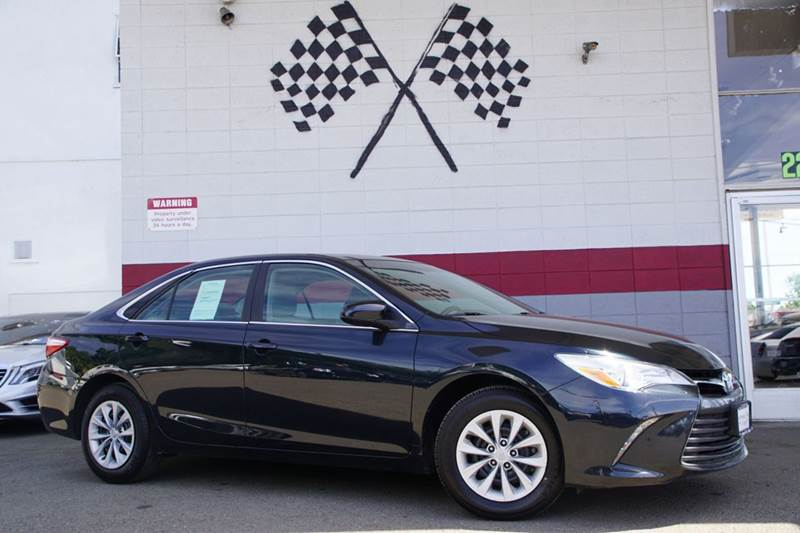2015 TOYOTA CAMRY LE 4DR SEDAN cosmic gray mica 2-stage unlocking doors abs - 4-wheel air filtr