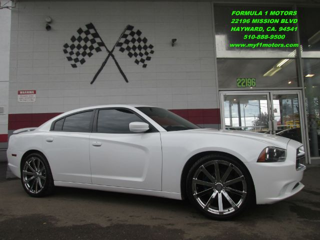 2012 DODGE CHARGER SE 4DR SEDAN white this is a beautiful 2012 dodge charger premium wheels t