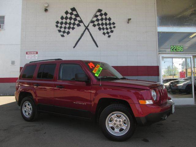 2014 JEEP PATRIOT SPORT 4X4 4DR SUV red this is a very clean jeep patriot 4x4 closest you will f