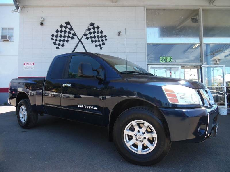 2006 NISSAN TITAN SE 4DR KING CAB 4WD SB blue super clean nissan titan runs great perfect for w