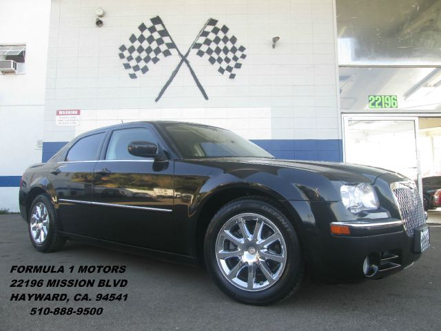 2008 CHRYSLER 300 LIMITED black abs brakesadjustable foot pedalsair conditioningalloy wheelsam