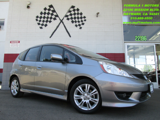 2010 HONDA FIT SPORT gray this is and excellent commuter car  really fun to drive  and a very de