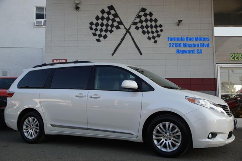 2016 TOYOTA SIENNA XLE blizzard pearl reward your family with our 2016 toyota sienna xle presente