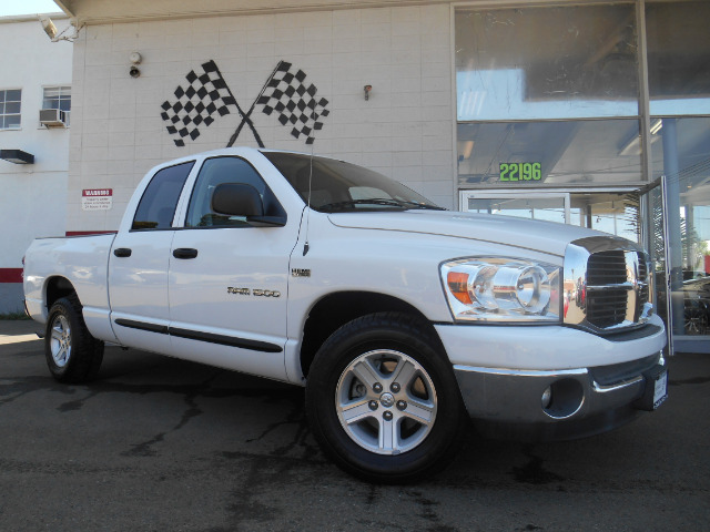 2007 DODGE RAM 1500 SLT QUAD CAB 2WD white abs brakesair conditioningalloy wheelsamfm radioan