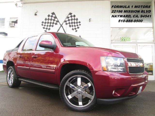 2008 CHEVROLET AVALANCHE LS 4WD red this truck is loaded with all power options and has 22 inch cu