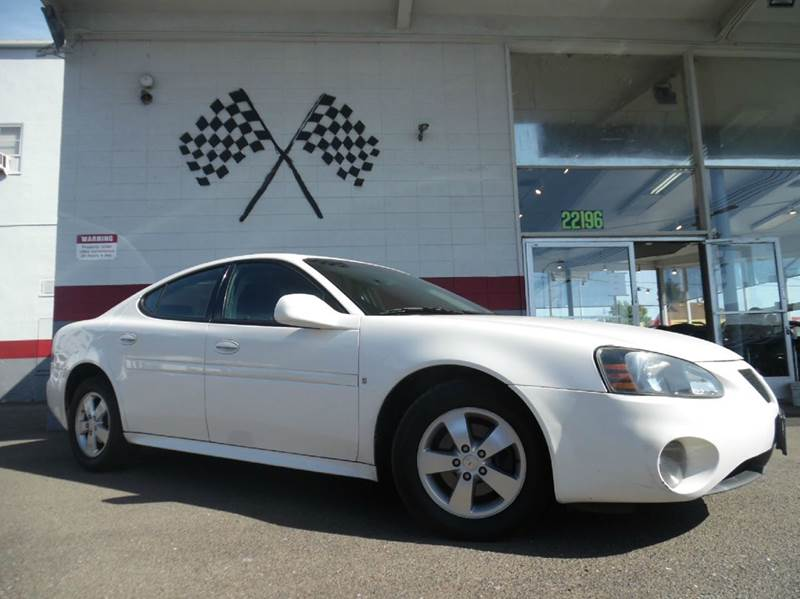 2008 PONTIAC GRAND PRIX BASE 4DR SEDAN white this car is a smooth drive very nice interior and