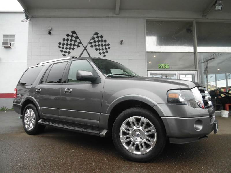2011 FORD EXPEDITION LIMITED 4X4 4DR SUV grey vin 1fmju2a57bef55110 this is a great family vehicl