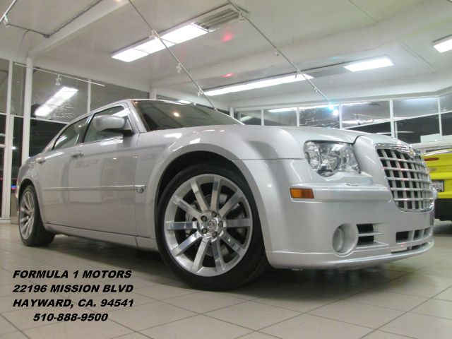 2007 CHRYSLER 300C C SRT-8 silver metallic this is a super clean srt8 loaded with all the goods mo