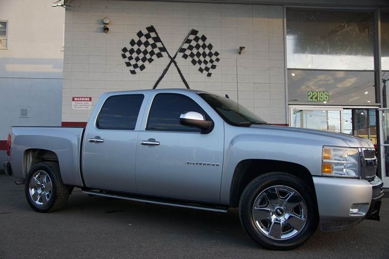 2011 CHEVROLET SILVERADO 1500 LT 4X2 4DR CREW CAB 58 FT SB sheer silver metallic abs - 4-wheel