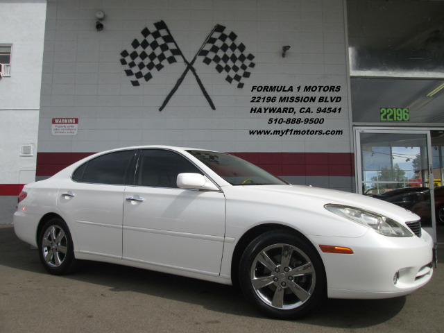 2005 LEXUS ES 330 4DR SEDAN whtie this is a very nice lexus es 330 its in great condition loaded