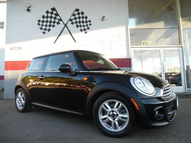 2013 MINI HARDTOP COOPER 2DR HATCHBACK black vin wmwsu3c53dt689099 this unit will not last long