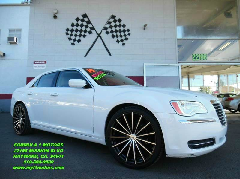 2014 CHRYSLER 300 4DR SEDAN white this is a very nice chrysler 300  gorgeous tan leather interior