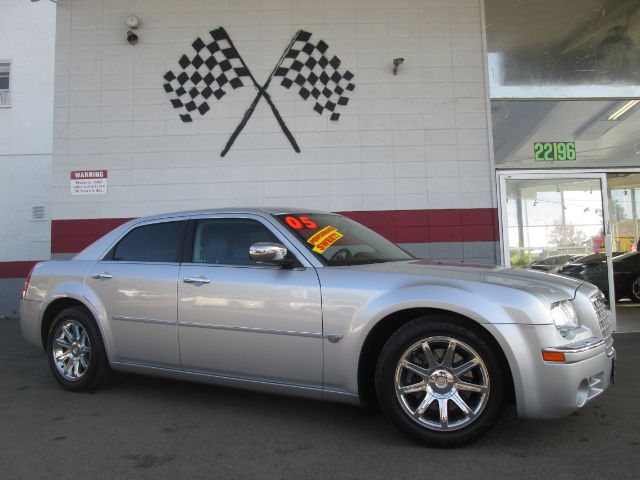2005 CHRYSLER 300 C 4DR SEDAN silver loaded - leather - navigation - moon roof - wow abs - 4-