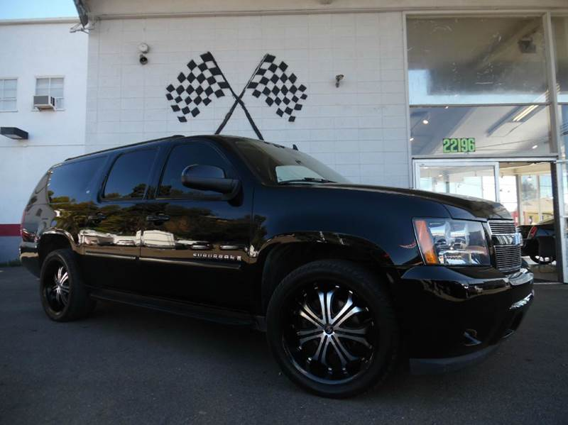 2007 CHEVROLET SUBURBAN LT 1500 4DR SUV black this chevy suburban is super clean black on black