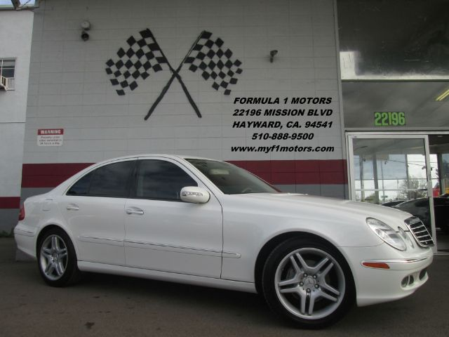 2006 MERCEDES-BENZ E-CLASS E500 4DR SEDAN white this is a gorgeous mercedes e-500 loaded with le