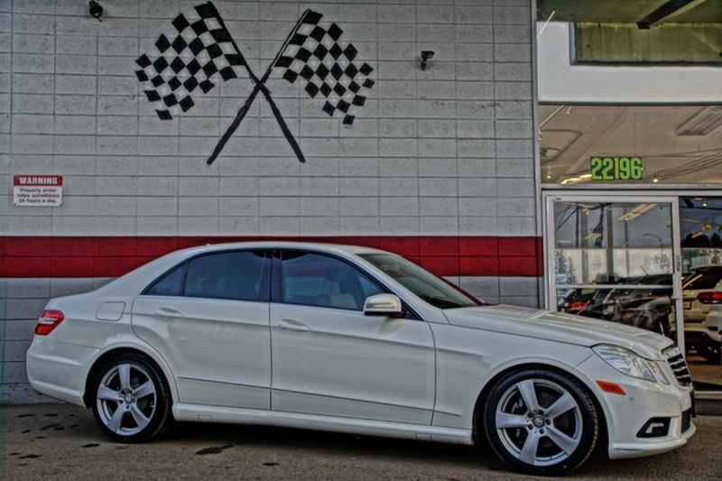 2011 MERCEDES-BENZ E-CLASS LUXURY SEDAN arctic white the eye-catching exterior and luxurious inte
