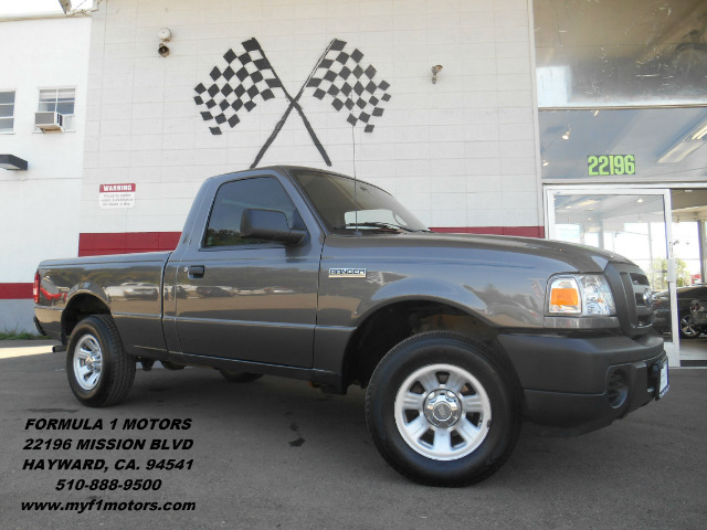 2011 FORD RANGER XL  2WD gray this is the perfect little work truck its in excellent condition t