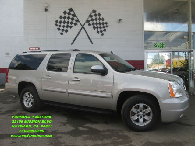 2007 GMC YUKON XL SLT 1500 4DR SUV W4SA silver this is the perfect family suv ready for any road