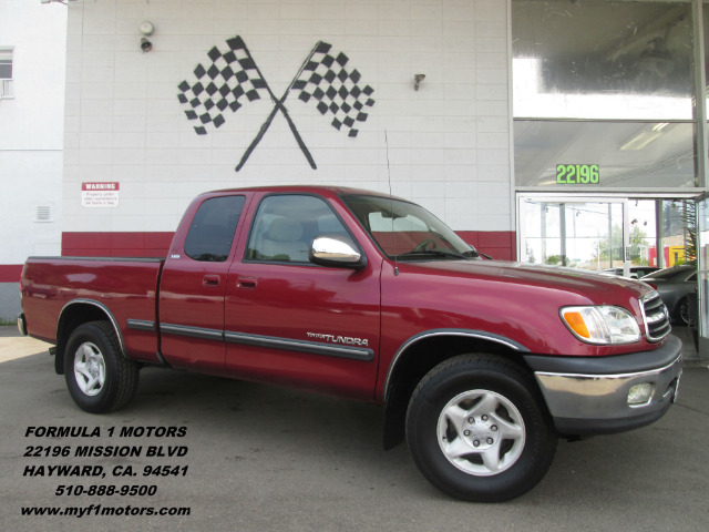 2002 TOYOTA TUNDRA SR5 V8 4DR ACCESS CAB 2WD SB burgundy this is a very nice toyota tacoma very l