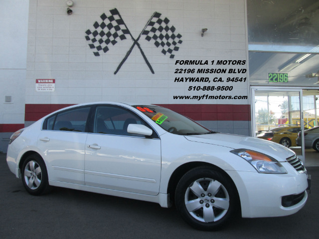 2008 NISSAN ALTIMA 25 S 4DR SEDAN CVT white this is a very nice nissan altima good on gas very