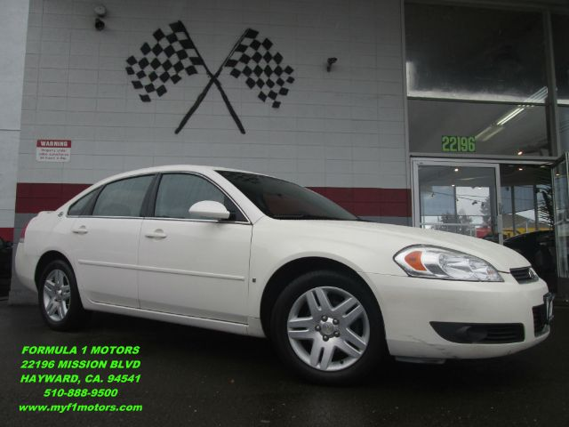 2006 CHEVROLET IMPALA LTZ 4DR SEDAN white this is a very nice chevrolet impala super clean inside