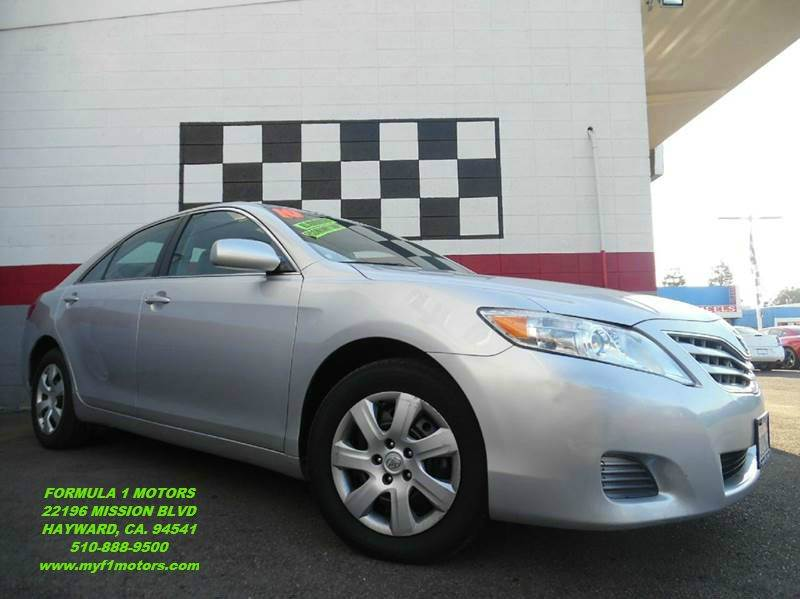 2010 TOYOTA CAMRY LE 4DR SEDAN 6A silver this is a very nice toyota camry perfect family vehicle