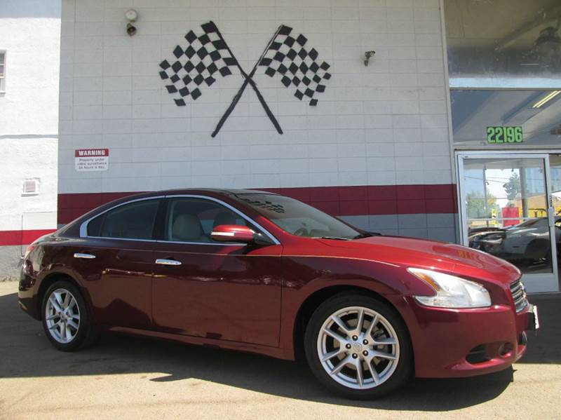 2009 NISSAN MAXIMA 35 SV 4DR SEDAN maroon gorgeous interior design with a beautiful matching dash