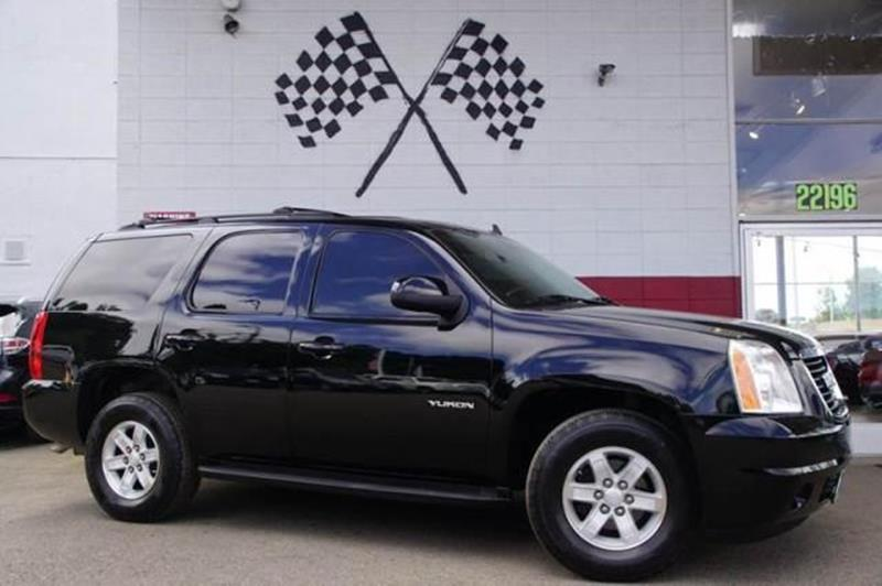2011 GMC YUKON SLE 4X2 4DR SUV carbon black metallic elegant looks a spacious cabin and cargo ar