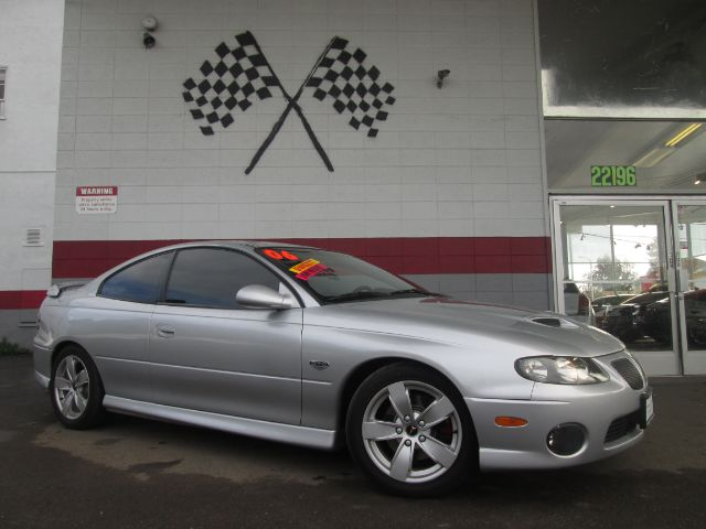 2006 PONTIAC GTO BASE 2DR COUPE silver abs - 4-wheel antenna type anti-theft system - alarm ant