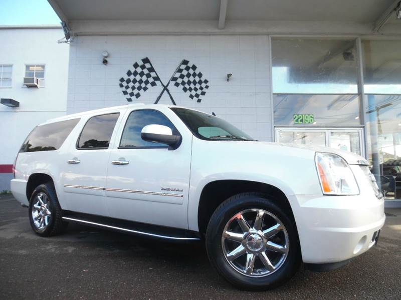 2012 GMC YUKON XL DENALI 4X2 XL 4DR SUV white vin 1gks1mef9cr134794 this 2012 yukon xl is fully l