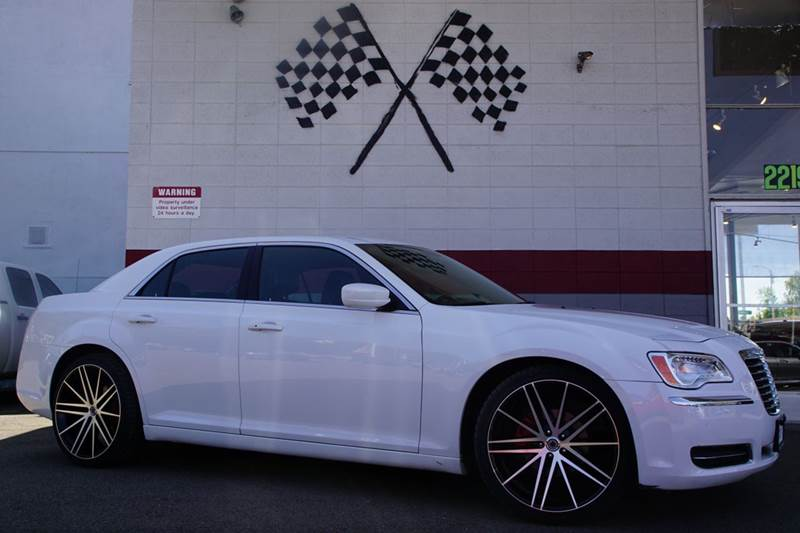 2014 CHRYSLER 300 BASE 4DR SEDAN bright white clearcoat 2-stage unlocking doors abs - 4-wheel a