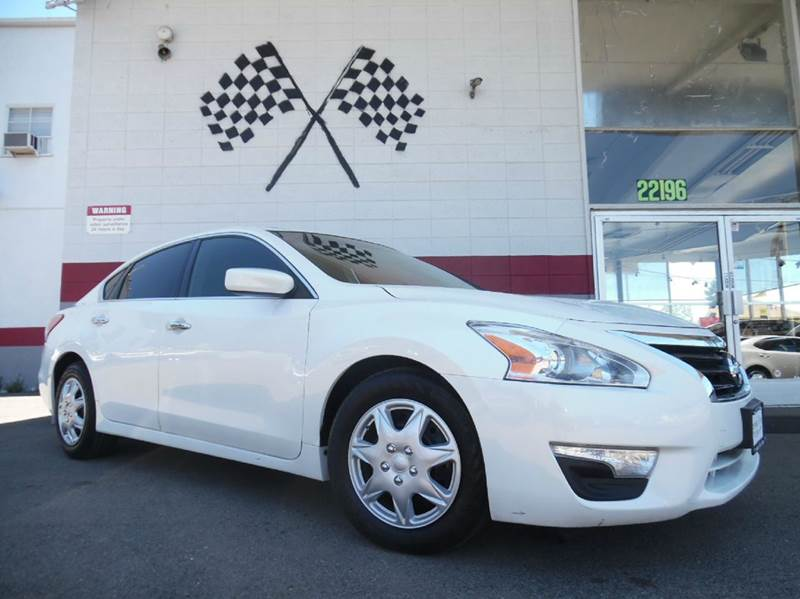 2013 NISSAN ALTIMA 25 S 4DR SEDAN white come in now and take a look at this nissan altima before