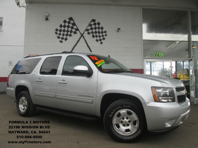 2012 CHEVROLET SUBURBAN LT 1500 4X2 4DR SUV silver this is the perfect family suv super spacious