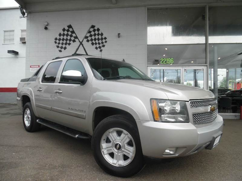 2007 CHEVROLET AVALANCHE LT 1500 4DR CREW CAB Z71 silver this is a loaded z71 package avalanche