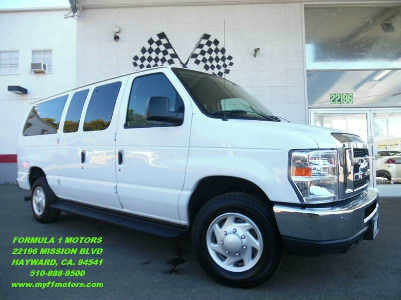 2012 FORD E-350 white this 10 passenger ford e350 is in great condition clean inside and out g