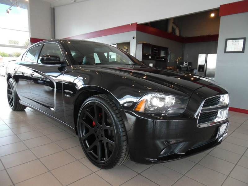 2011 DODGE CHARGER RT 4DR SEDAN black great car in amazing condition has a rearview camara for