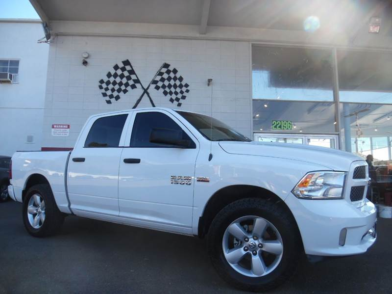 2015 RAM RAM PICKUP 1500 EXPRESS 4X2 4DR CREW CAB 55 FT white abs - 4-wheel active grille shut