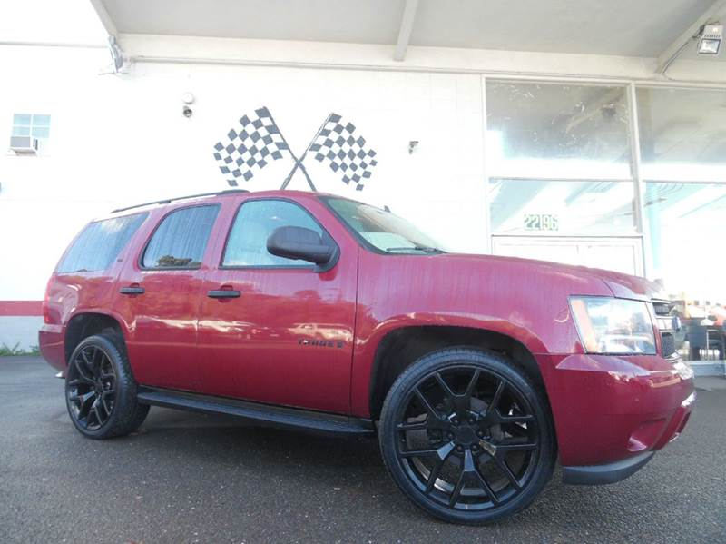 2007 CHEVROLET TAHOE LS 4DR SUV red vin 1gnfc13j07r151767 great vehicle with tons of space for f
