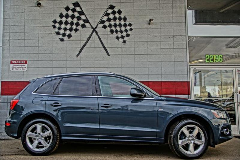 2011 AUDI Q5 32 QUATTRO PRESTIGE AWD 4DR SUV quartz gray metallic feel captivated the moment you