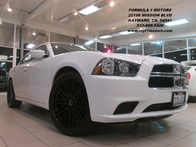 2014 DODGE CHARGER SE 4DR SEDAN white this is a super clean 2014 dodge charger  only 23k miles on