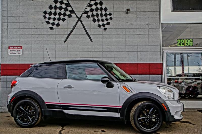 2014 MINI PACEMAN COOPER 2DR HATCHBACK light white attract some extra attention in our feisty lig