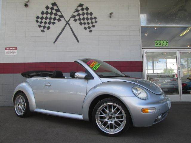 2004 VOLKSWAGEN NEW BEETLE GLS 2DR CONVERTIBLE silver this is a beautiful volkswagen beetle perf