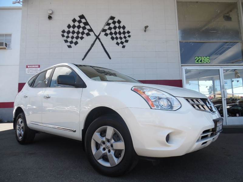 2013 NISSAN ROGUE S AWD 4DR CROSSOVER white vin  jn8as5mv6dw638987 this is a very nice nissan rog