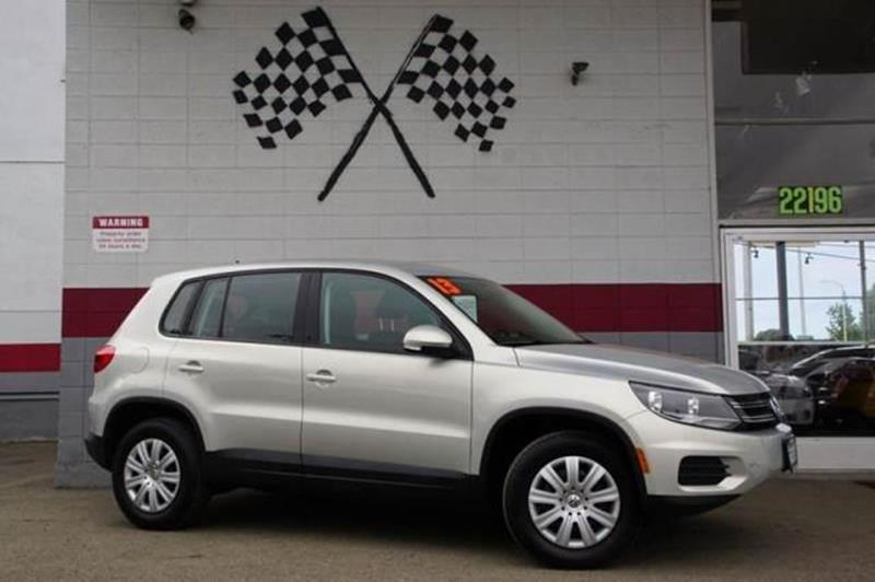 2013 VOLKSWAGEN TIGUAN S 4DR SUV 6M reflex silver metallic german engineered sophisticated dynam