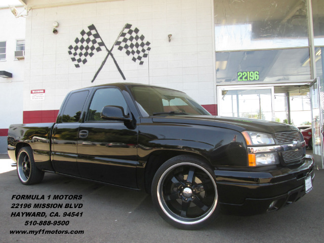 2005 CHEVROLET SILVERADO 1500 LS 4DR EXTENDED CAB RWD SB black this chevy silverado is one of a ki