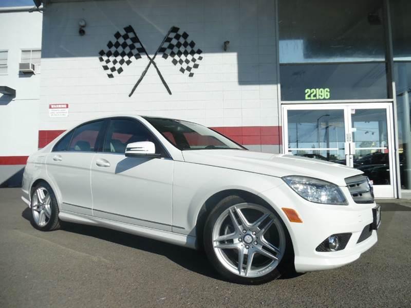 2010 MERCEDES-BENZ C-CLASS C300 LUXURY 4DR SEDAN white this luxury mercedes wont last long co