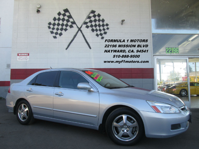 2007 HONDA ACCORD HYBRID EX-L 4DR SEDAN silver this is a beautiful honda accord hybrid excellent