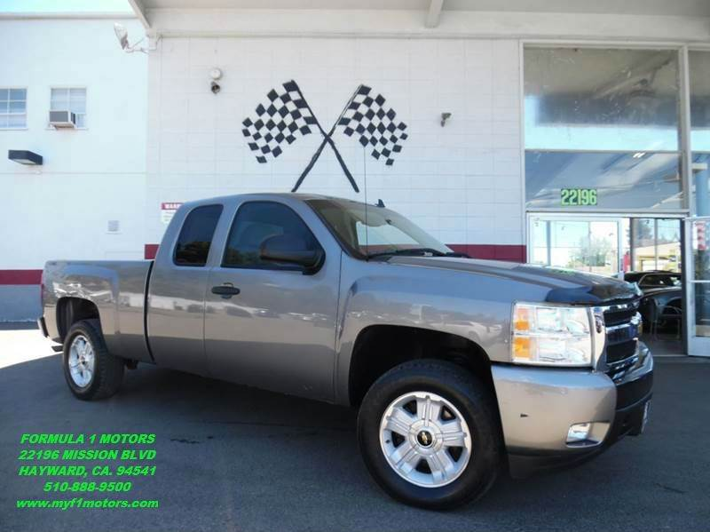 2007 CHEVROLET SILVERADO 1500 LT1 4DR EXTENDED CAB 4WD 65 FT grey this is a very nice chevy sil